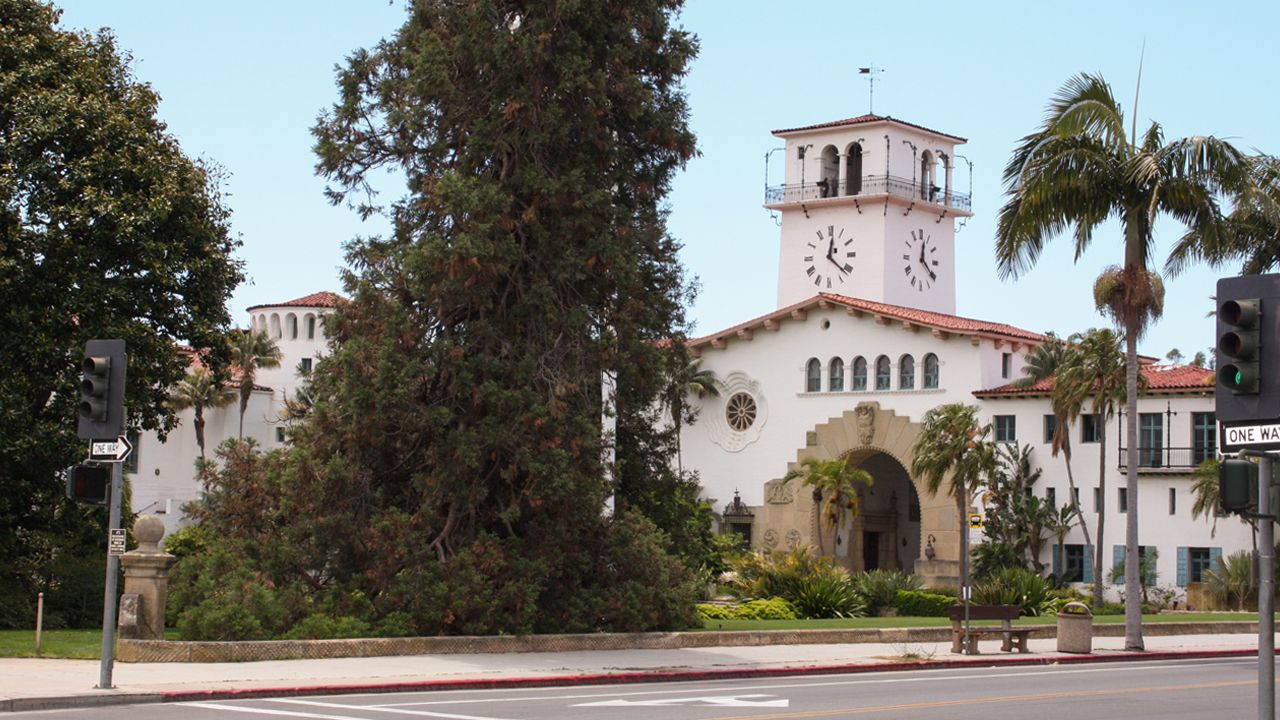 Santa Barbara Courthouse Building mit Clocktower